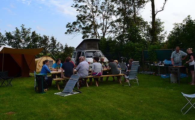 De barbecue in volle gang